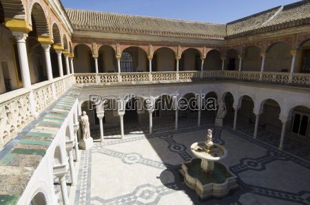 view of the patio principal in