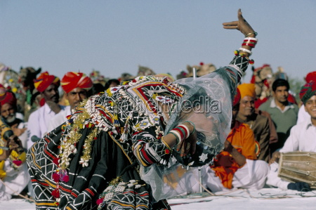woman dancing during desert festival bikaner