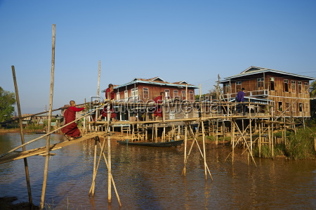 wooden bridge ywama village inle lake
