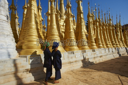 the 1045 stupas of shwe inn