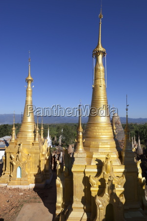 shwe inn thein pagoda containing 1054