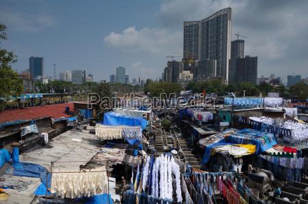 slum vask ghats omgivet af dyre