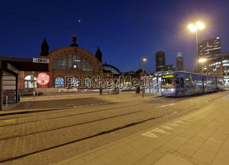 station banegard tog lokomotiv jernbane koretoj