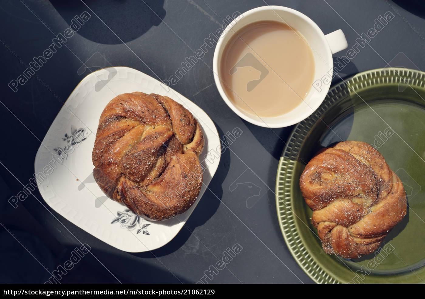 simpel, svensk, morgenmad, med, kanel, boller - 21062129