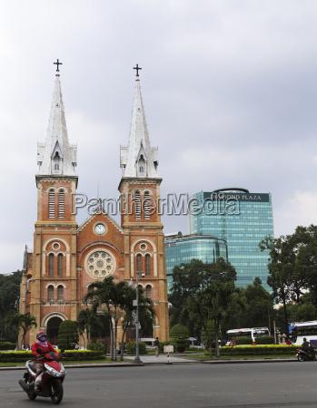 vietnam ho chi minh city katedralen