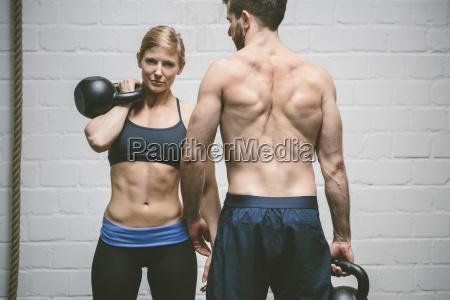 par i gym traening med kedel