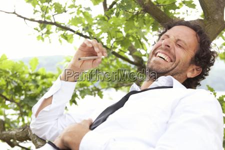 mennesker folk personer mand fnise smiler