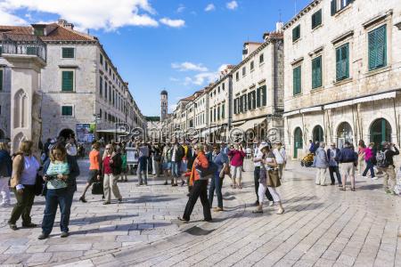 kroatien dubrovnik turist pa main street