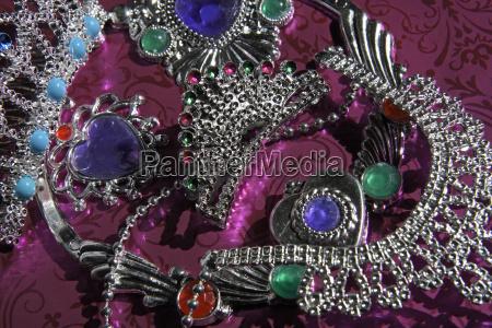 nogle enkelte flere smykker juveler kostbare