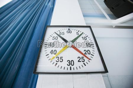 pare el reloj en el estadio