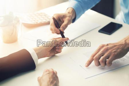 forretningspartner skab kontrakt undertegnelse