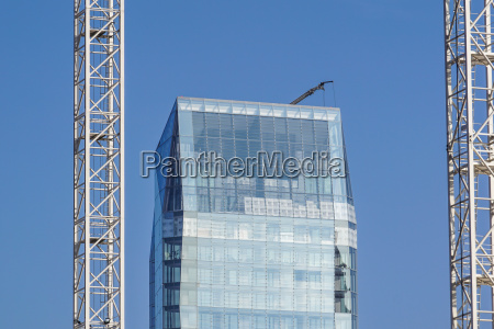 fechar azul torre vidro copo de