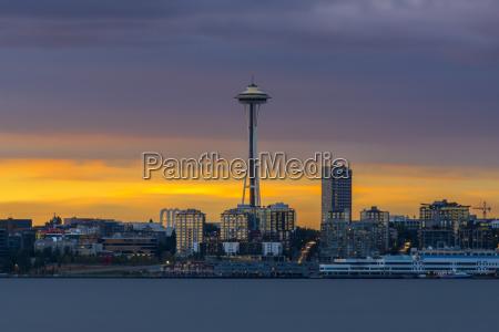 seattle space needle skyline at sunset