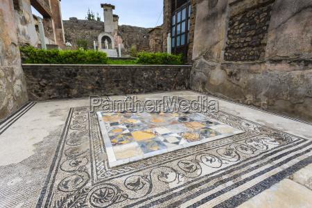 mosaic house of marcus lucretius in