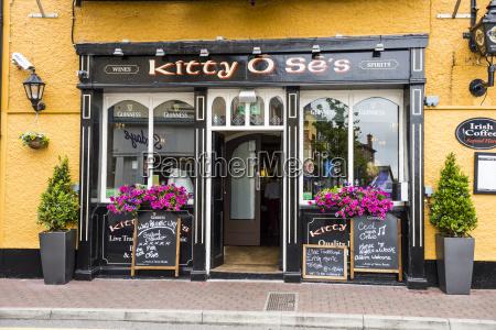 local pub in kinsale county cork
