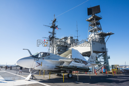 fighter jet on deck of the