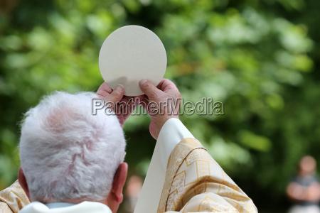 eucharist catholic mass sanctuary of la