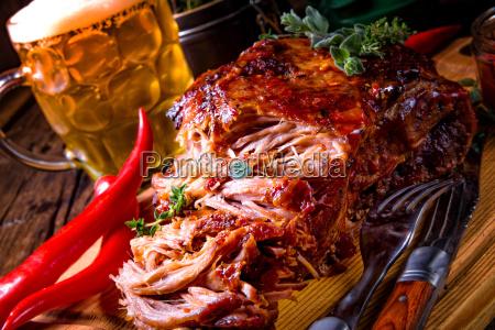 velsmagende grill trukket svinekod