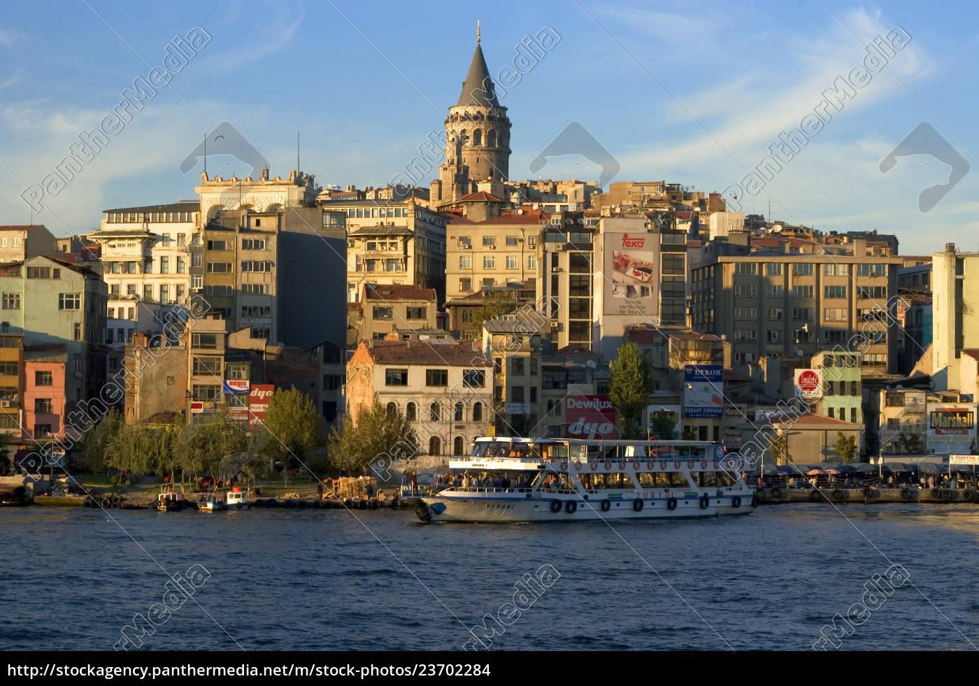 istanbul, tyrkiet, gyldent, horn, foran, galata-distriktet - 23702284