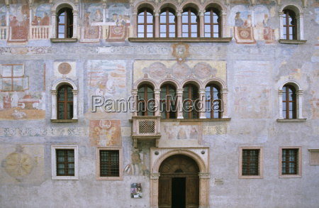 fresker pa palazzo geremia i trento