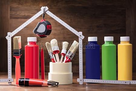 maleri udstyr under huset lavet med