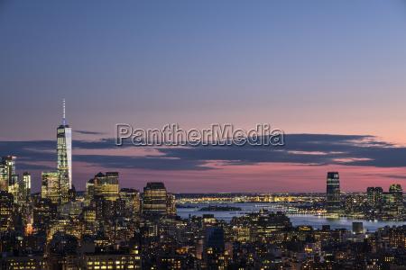 skyline, of, new, york, i, skumringen - 24009338