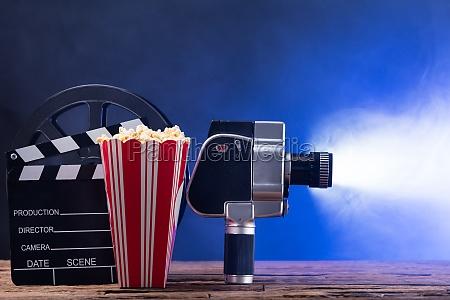 kamera fotoapparat fotografiapparat stillkamera lysspil handling