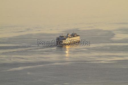 ferry in puget sound seattle washington