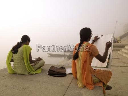 zwei junge indische frauen sketch by