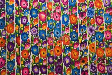 gautemala chichicastenango farvestralende handlavet tekstil