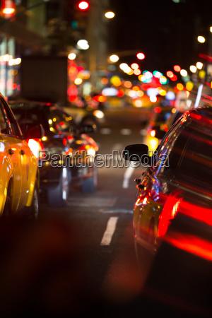 nat vej trafik i en storby