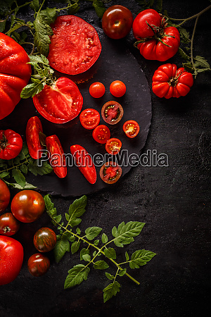 fresh red sliced tomatoes