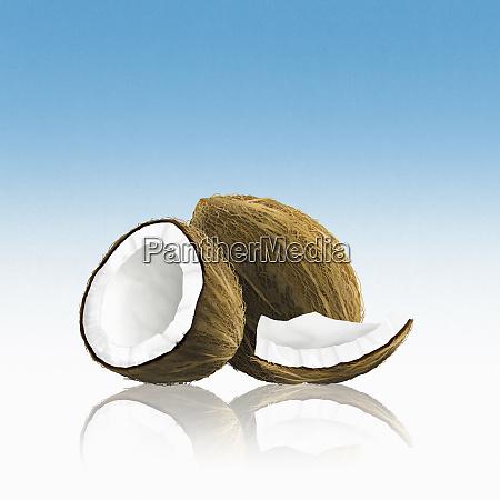 hele kokos med stykker