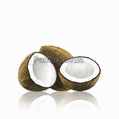 hele og halveret kokos
