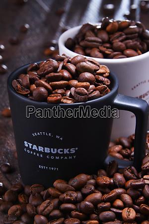 komposition med kopper starbucks kaffe