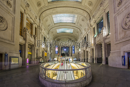 view of interior of milan central