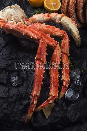 saet af friske fisk og skaldyr