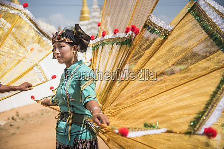 vandret farvebillede rejsemal udendors dag myanmar