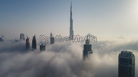 luftfoto af skyskrabere og burj khalifa