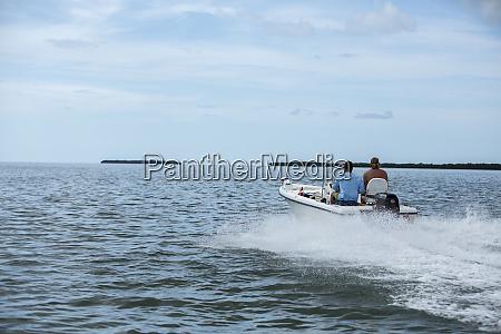 fiskere kore deres bad ud til