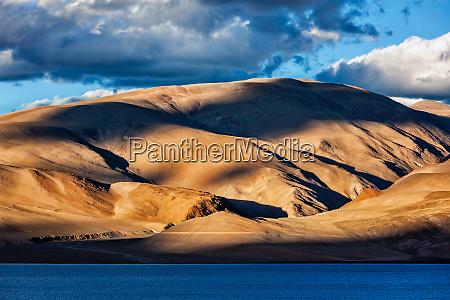 himalayas and lake tso moriri on