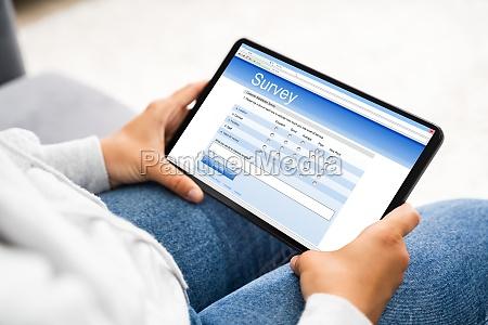 udfyldelse af onlineundersogelsesformular