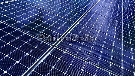 naer up af solpaneler