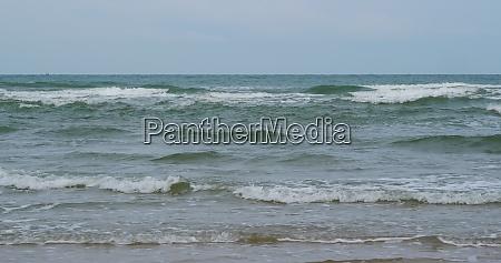 turquiose, sea, waves, on, beach - 29194929