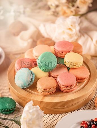 franske macarons med forskellige smagfulde fyldstoffer